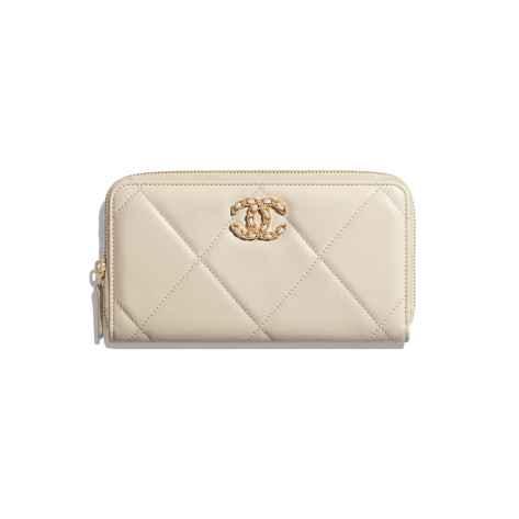 chanel 19 wallet